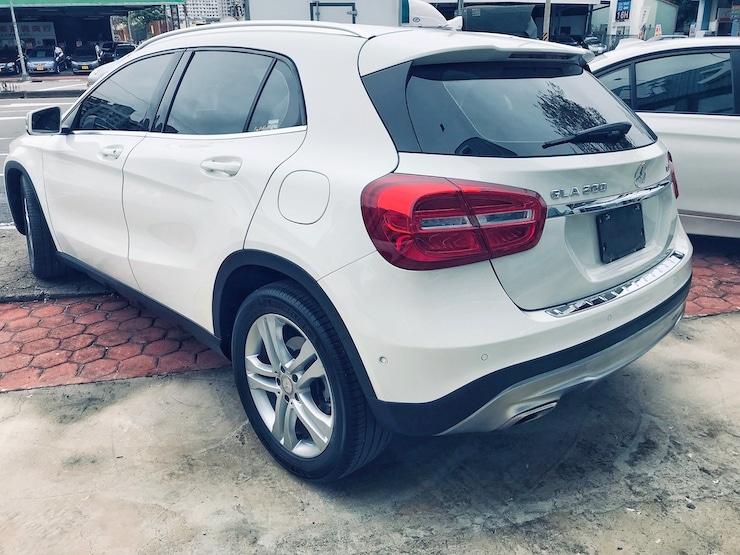 Benz-2015-Benz-GLA220-00015-02