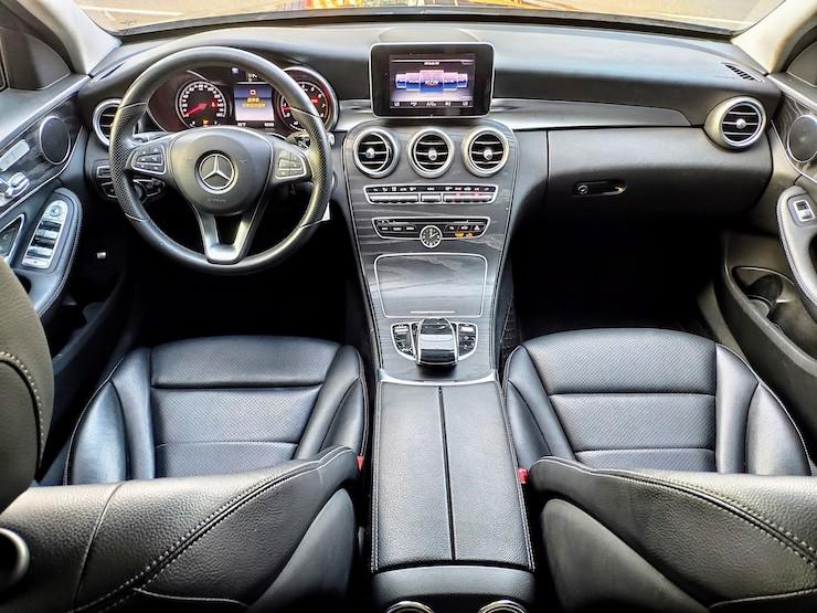 2016 Benz(賓士) W205 C300 白 黑梣木 18吋鋁圈