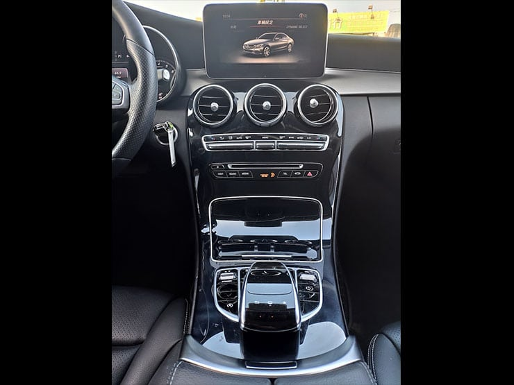 Benz-2016-C300-Burmester-LED