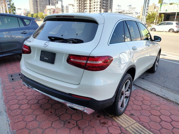 2016/17 Benz X253 GLC300 23P & 抬頭顯示器 白 超高配備
