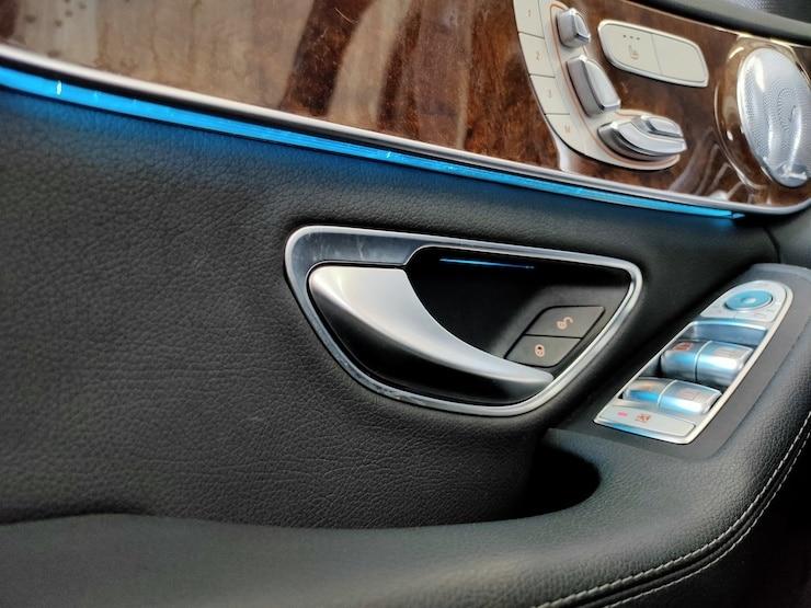 2017 Benz 賓士 W205 C300 白 電尾門+氣氛燈+柏林之音