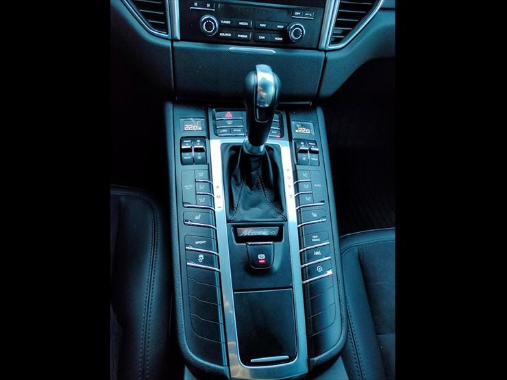 2016/17 Porsche Macan Lite Package 白 動態轉向頭燈 + 麂皮座椅 + BOSS音響