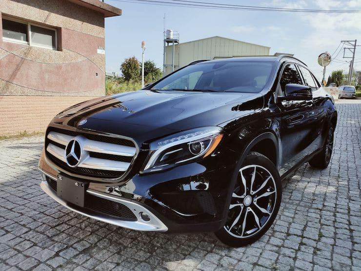"2016 Benz(賓士) X156 GLA250 4MATIC 黑 19""鋁圈"