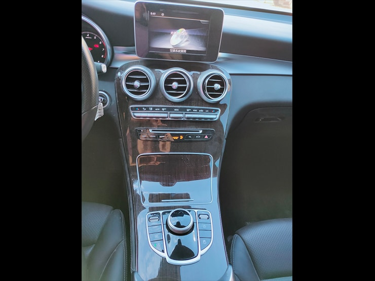 2018 Benz(賓士) X253 GLC300 白 原廠 Apple Carplay